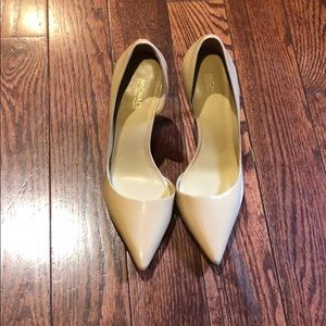 Nude patent leather Michael Kors pumps 6.5
